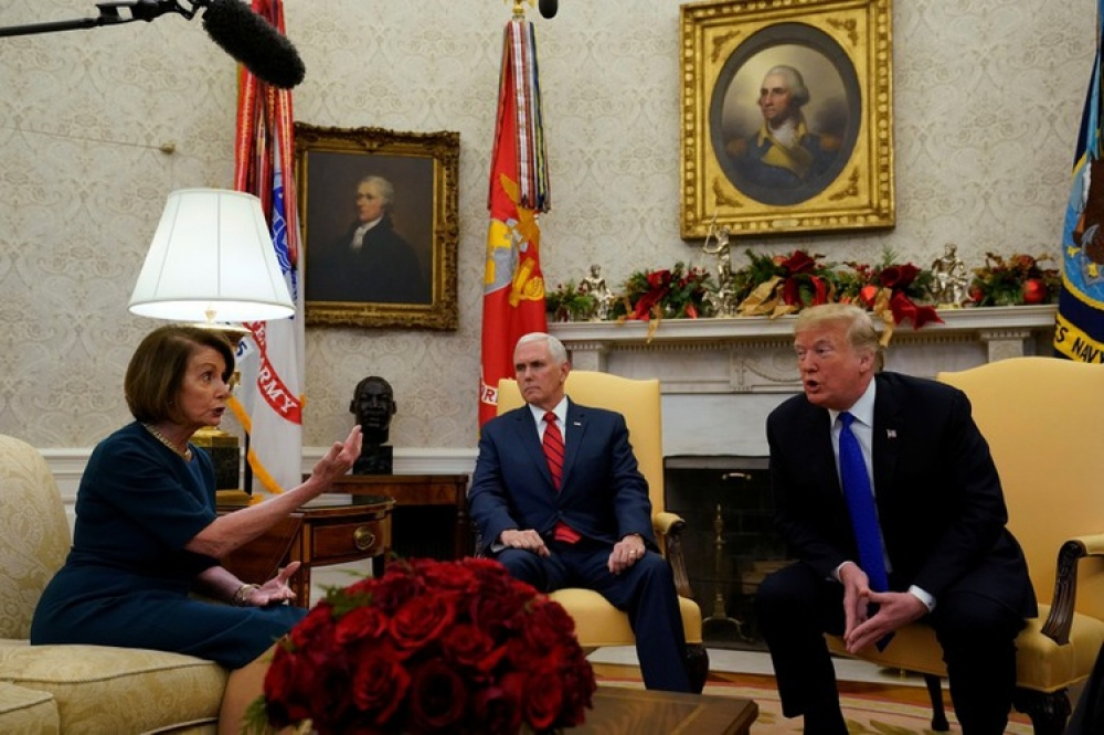 Trump spars with top Democrats in Oval Office over border wall