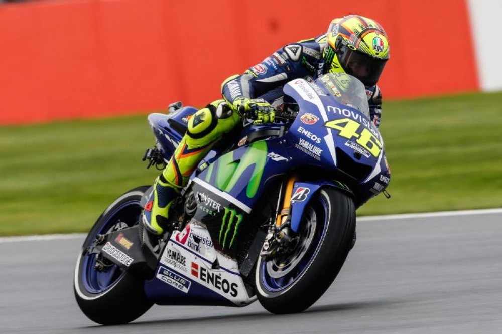Rain-master Rossi rules at Silverstone