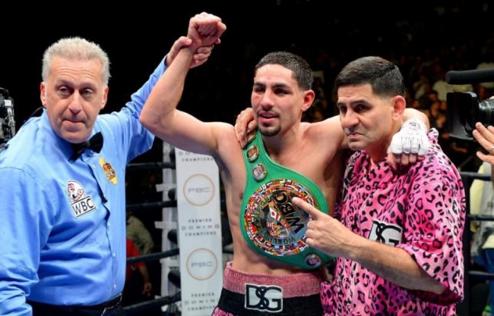 Garcia outpoints Guerrero to win welterweight title