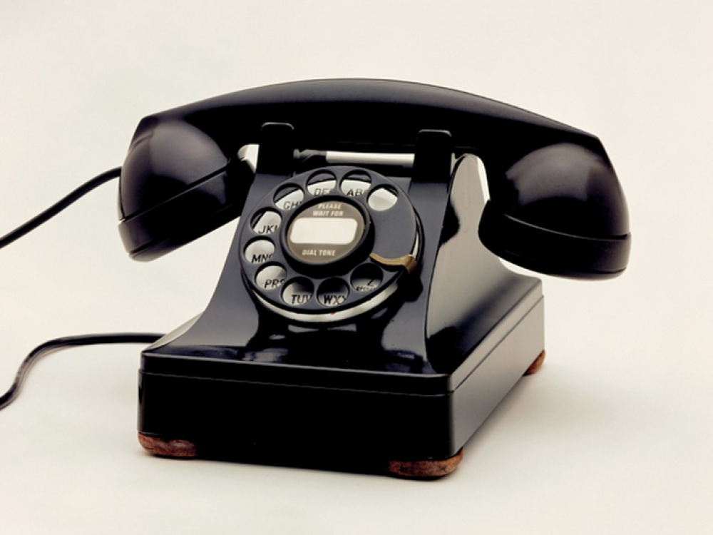 Fixed telephones still relevant… but only thanks to bundling