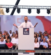 [WATCH] Integrity more important than money, Busuttil tells mass meeting