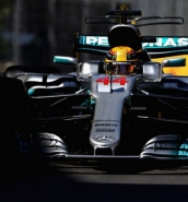 Lewis Hamilton claims pole position in Azerbaijan