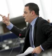 Simon Busuttil 'is being arraigned', David Casa tells EU