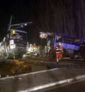 [WATCH] France: at least four children killed as train and school bus collide