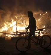 Calais camp clearance to resume after overnight fire