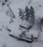 [WATCH] Avalanche hits Italy hotel, at least 30 missing
