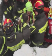 Ten found alive in Rigopiano hotel following avalanche