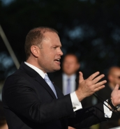 [WATCH] Joseph Muscat targets switchers: 'You trusted me in 2013, trust me again'