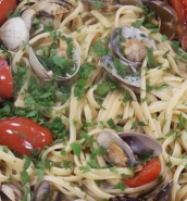 [WATCH] Linguini vongole with chorizo