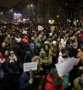 Thousands march against prison pardons in Romania