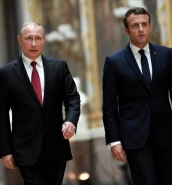Macron warns Putin over Syrian chemical weapons in 'frank' meeting