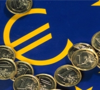 Tax revenue up by €213 million, burden eases to 33% of GDP