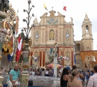[WATCH] Jubilant locals flock to the streets to celebrate Santa Marija
