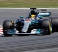 Lewis Hamilton takes Pole in Barcelona