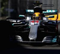 Lewis Hamilton claims pole position in Azerbaijan