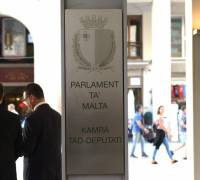 Earlier parliament hours expected from October