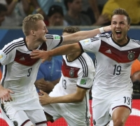 Gigantic Goetze lifts Germany to fourth World Cup title