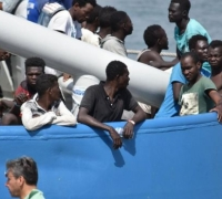 EU holds migration crisis talks as Italy threatens to close ports