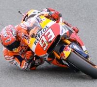 Faultless Marquez takes pole as disaster strikes for Lorenzo