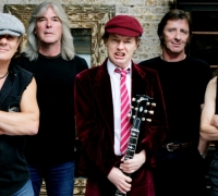 AC/DC drummer murder plot charges dropped