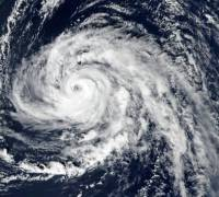 Hurricane Ophelia: Ireland braces for post-tropical storm