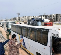 Evacuations of besieged Syrians resume after 48-hour delay