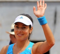 Ivanovic defeats Sharapova in Rome