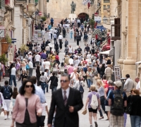 Malta's unemployment rate falls below 3,000 mark
