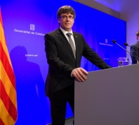 Catalonia government hit by resignations in pre-referendum crisis