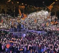 Thousands demand release of Catalonia separatist leaders