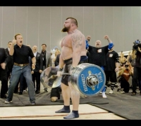 Powerlifter Eddie Hall sets world deadlifting record while Arnold Schwarzenegger cheers on