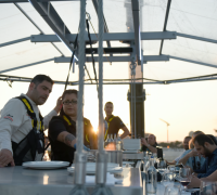 [WATCH] Dinner in the Sky: taking fine dining to new heights