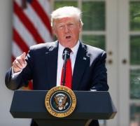 Trump blames 'both sides' for Charlottesville violence