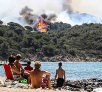 Wildfires in southern France force mass evacuation