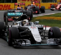 Hamilton holds off Vettel for fifth Canada win