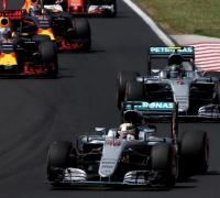 Hamilton takes championship lead with Hungary win