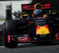 Ricciardo storms to maiden pole in Monaco