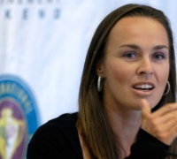 Hingis to play first WTA event in six years
