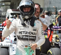 Rosberg secures fifth consecutive pole
