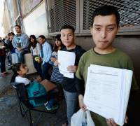 Trump 'to scrap' amnesty for young immigrants
