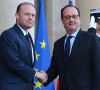 Prime Minister touring European capitals: first stop in Paris, Dublin next