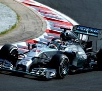 Hamilton retains advantage in Budapest