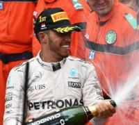 Hamilton beats Ricciardo in wet-dry Monaco thriller