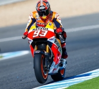 Marquez grabs pole in sunny Jerez