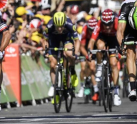 Tour de France 2017: Chris Froome retains lead as Michael Matthews takes second win
