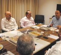 Developers meet PN leadership candidates at their behest
