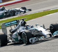 Rosberg and Hamilton resume F1 title duel at Canadian GP
