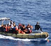 Updated | 'Closing' sea border would lock refugees in horrendous conditions