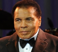 Boxing legend Muhammad Ali hospitalised with pneumonia