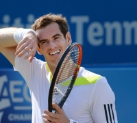 Football a welcome distraction for nervous Wimbledon winner Murray